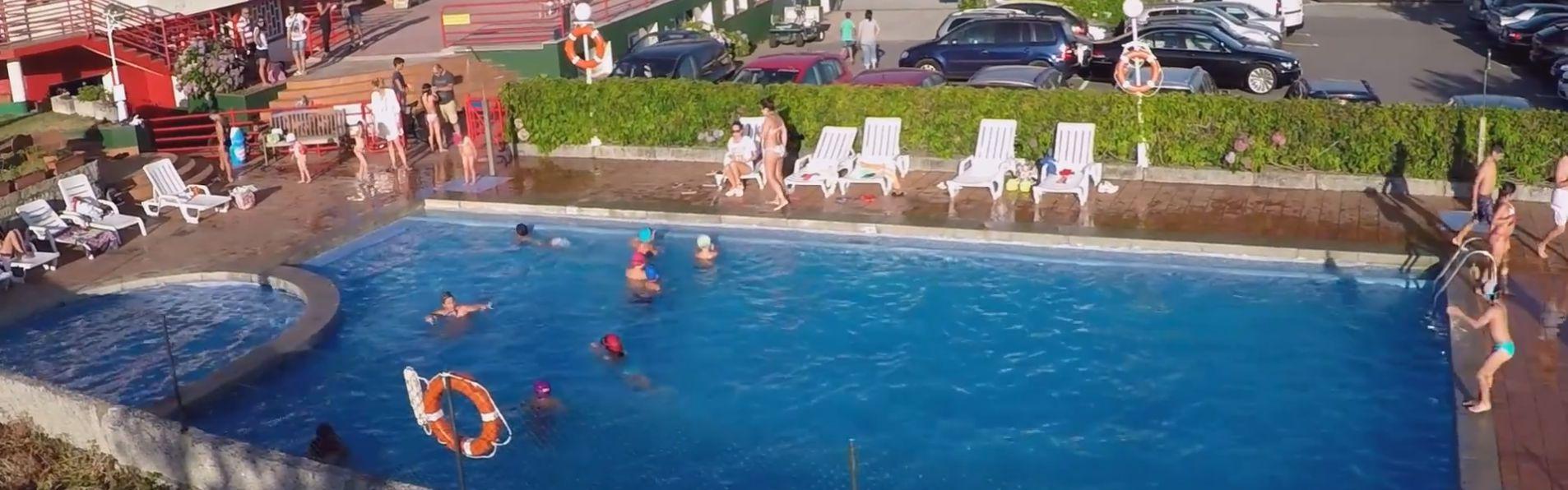 Camping siglo xxi 17630 camping siglo xxi piscina for Piscina siglo xxi zaragoza