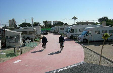 Camping el jardin 12744 for Camping el jardin