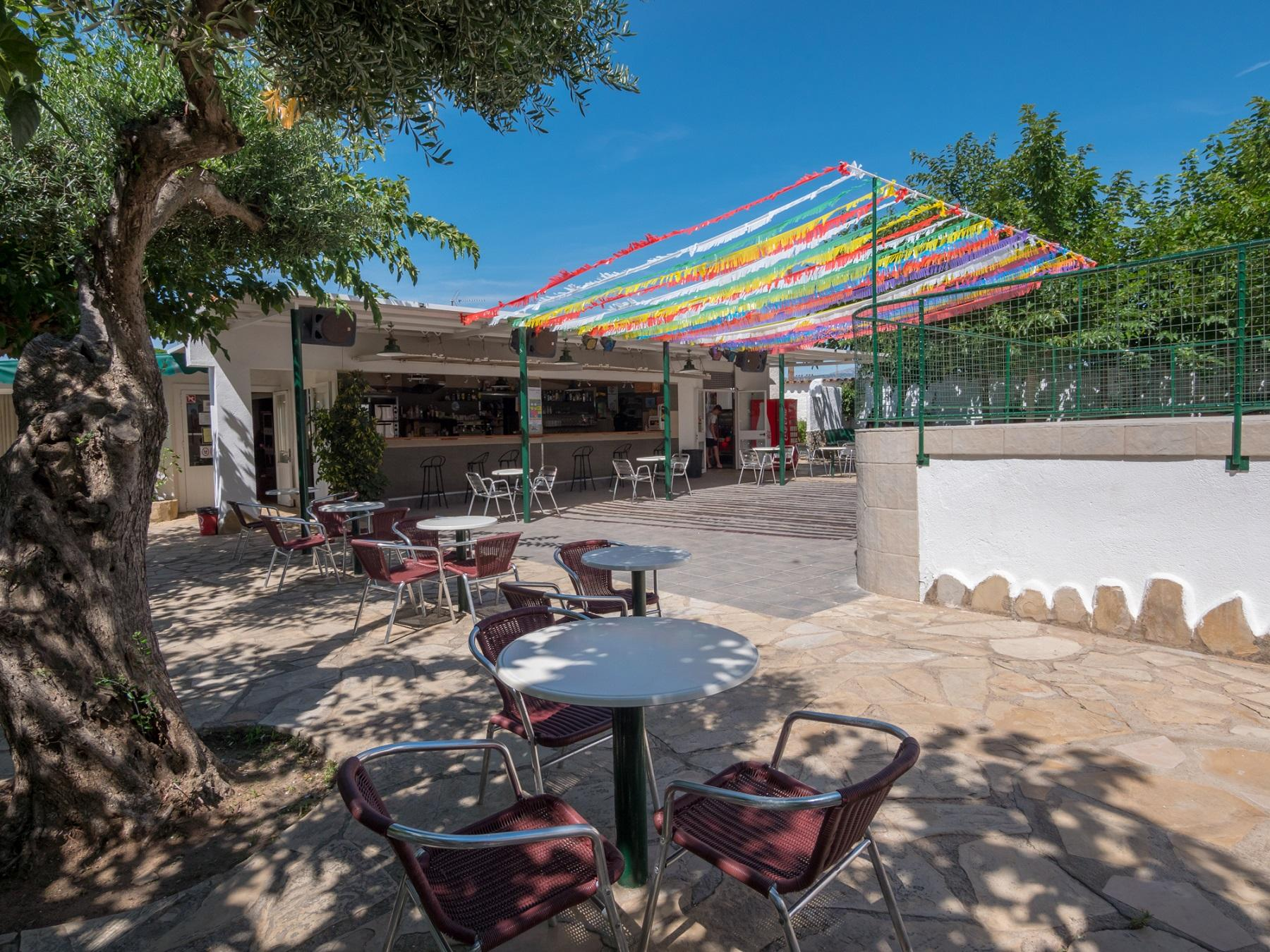 Camping Playa Y Fiesta 19330 Bar Terraza